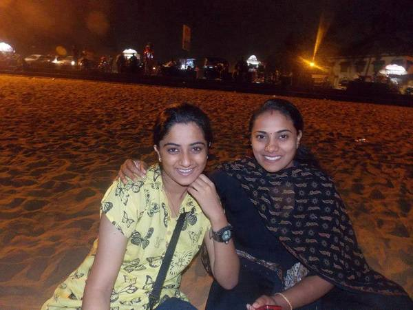 Namitha_with_her_mom1