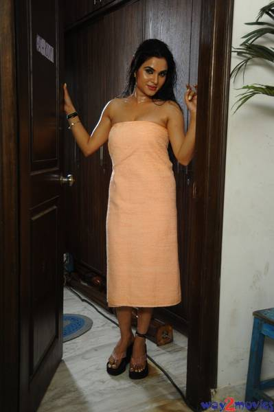 Kavya singh latest hot spicy stills