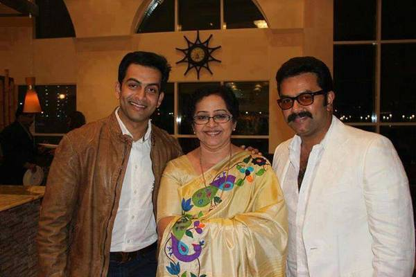 Mallika_with_sons
