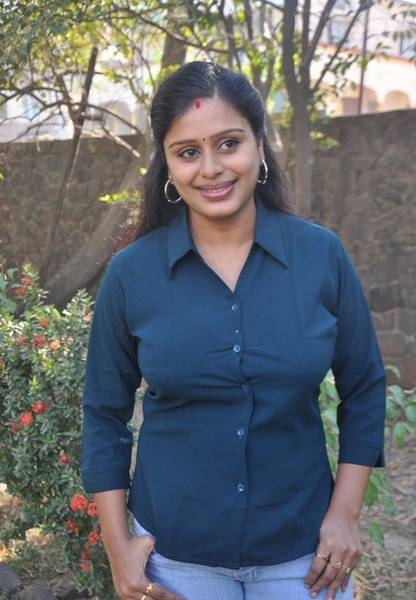 Latha_Rao_Serial_Actress_Photos_7_