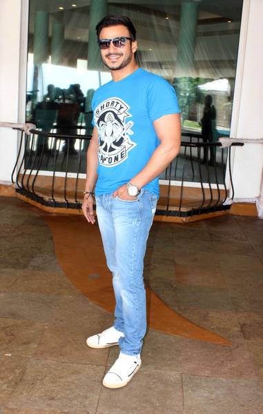 Vivek Oberoy Stills At Jayantibhai Ki Luv Story Movie Press Meet