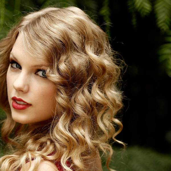 taylor-swift-singer-songwriter-2048
