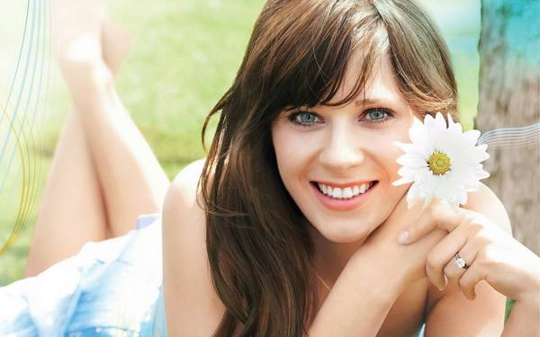 Zooey-Deschanel-W50