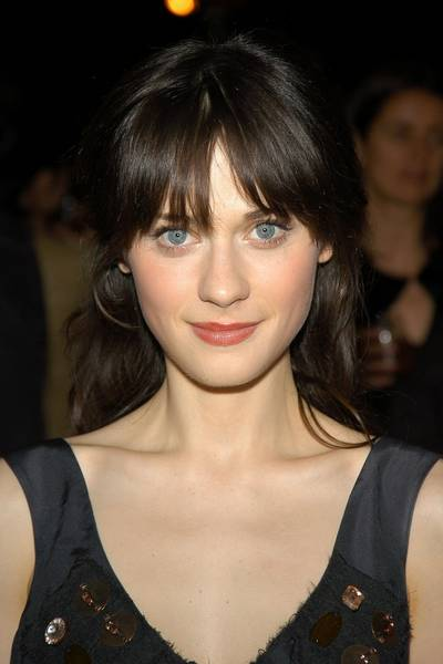 zooey-deschanel-signs-with-uta