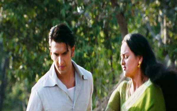 sonakshi-sinha-in-lootera-movie-9
