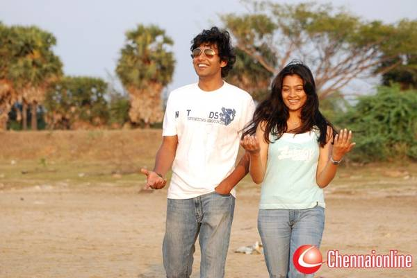ponmaalai_pozhudhu_movie_photos_images_01