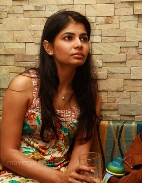 singer_chinmayi_new_photos_stills_pictures_02