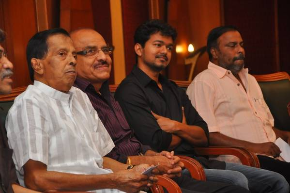 Vijay Press Meet For Donating Money To His Early Producers