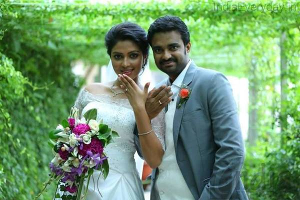 Actress Amala Paul And Director Vijay Engagement Gallery