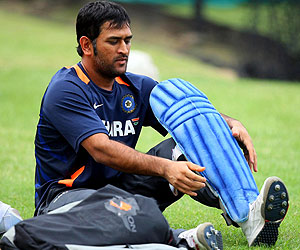 dhoni_pads_getty