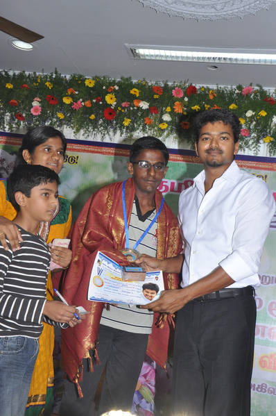Ilayathalapathy-Vijay-Award-Ceremony-31