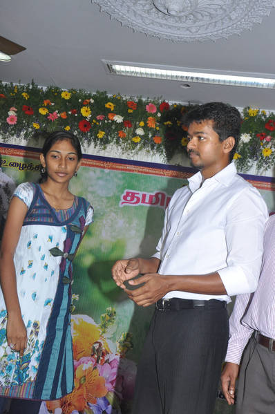 Ilayathalapathy-Vijay-Award-Ceremony-37