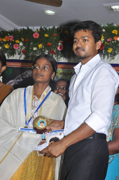 Ilayathalapathy-Vijay-Award-Ceremony-41