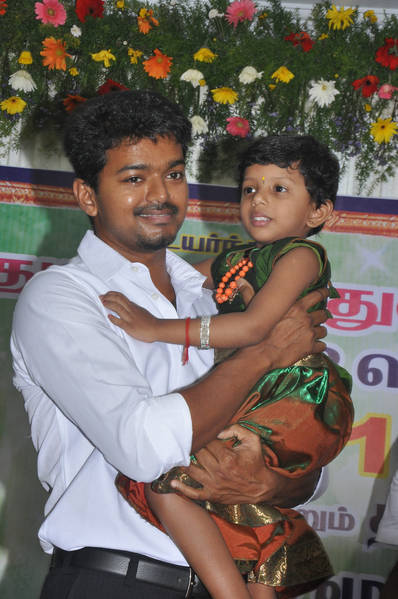 Ilayathalapathy-Vijay-Award-Ceremony-42