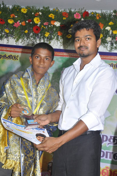 Ilayathalapathy-Vijay-Award-Ceremony-45