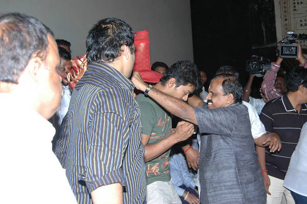 Vijay At Nanban Coimbatore Theatre Photo Gallery