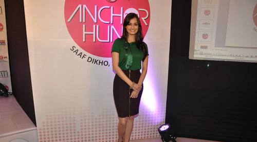 dia-mirza-launches-zoom-anchor-hunt-2011-stills01